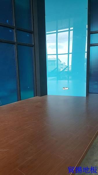 貿揚地板-柚木色-架高區-6.jpg