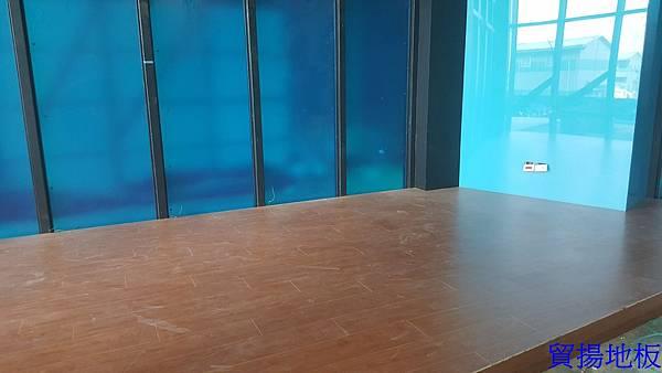 貿揚地板-柚木色-架高區-4.jpg
