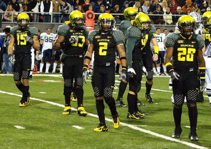 Oregon-Ducks-Awesome-Uniform