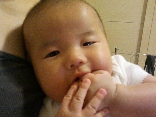2011-07-01 19.17.50-小禾出生