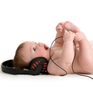 baby-listening-to-music