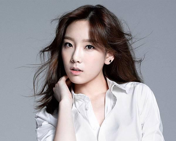 Girls-Generation-Taeyeon_1280x1024