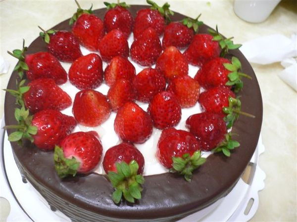 超好吃的草莓蛋糕