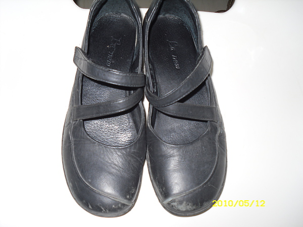 六兩(La new)皮鞋修補.染色.清潔.保養前差別3.JPG