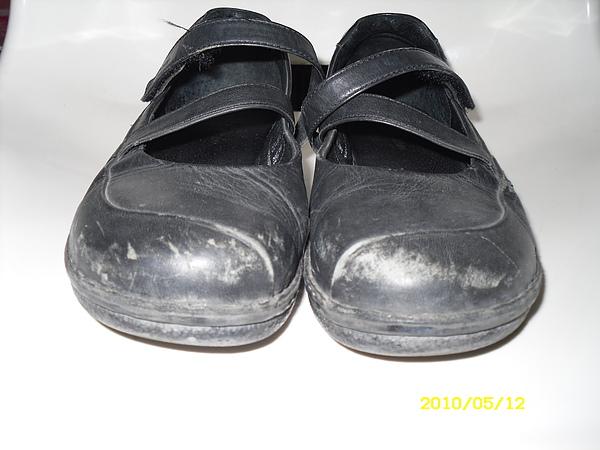 六兩(La new)皮鞋修補.染色.清潔.保養前差別1.JPG