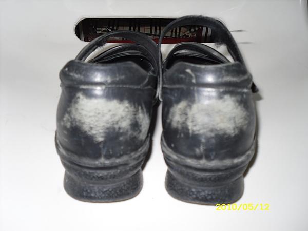 六兩(La new)皮鞋修補.染色.清潔.保養前差別2.JPG