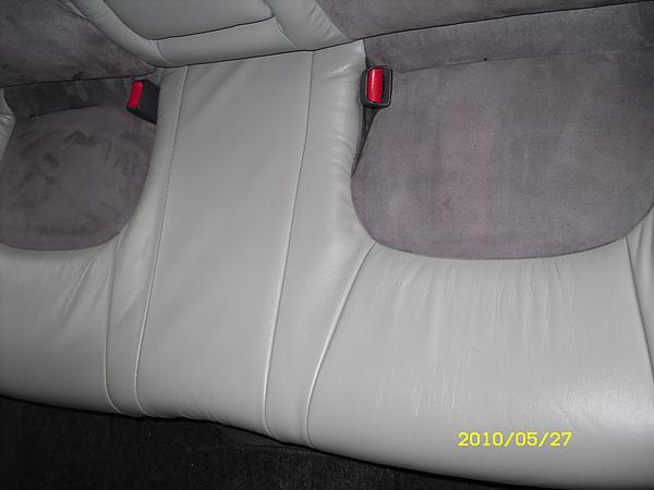 汽車皮椅龜裂處理後照片3.JPG