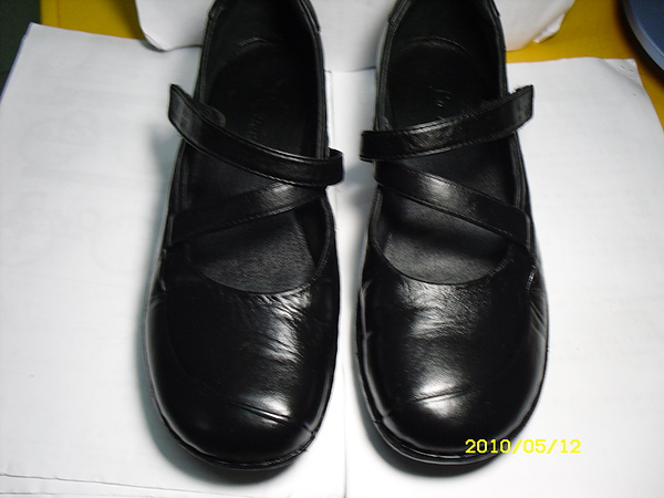 六兩(La new)皮鞋修補.染色.清潔.保養.後差別照片3.JPG