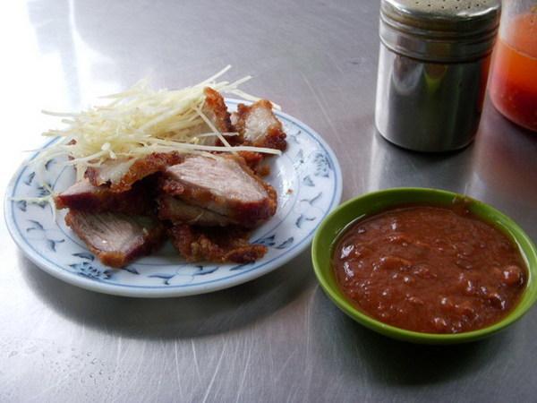 燒肉跟醬料