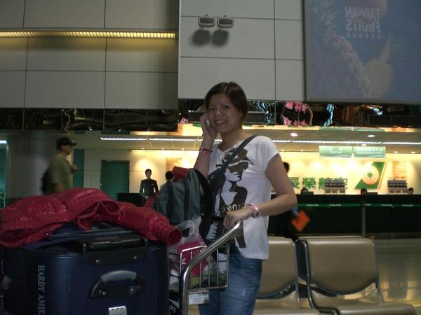 機場送機-行李居然還差4公斤才滿,真是太浪費了!!