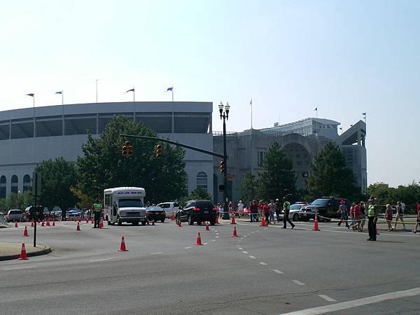 全美第二大的football 場