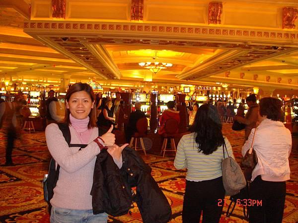 著名的Casino賭場,雖然不會玩,不過照相是一定要的啦!