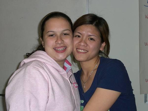 18歲的牙套妹妹,有種超級親切的感覺~~