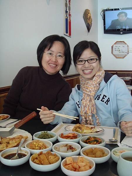 打工的老闆請我們吃韓式料理~好吃哩