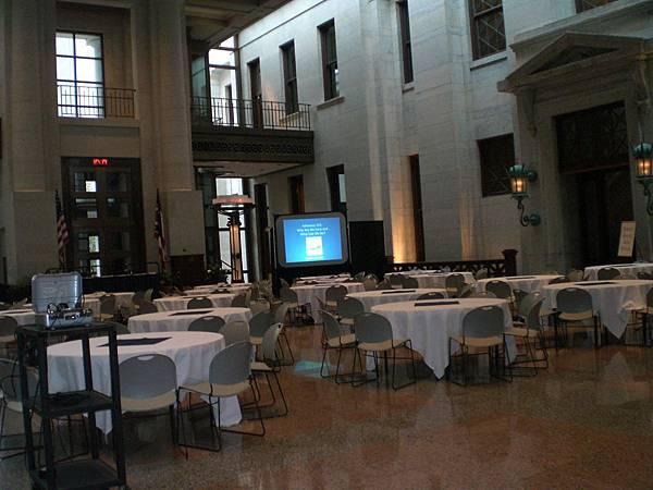 活動會場是在國會的大廳,感覺像是開記者會~