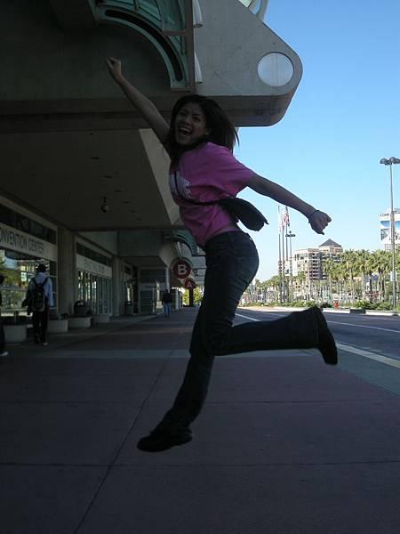 Day2- 奧運選手訓練基地: 這張跳拍是唯一成功的一張, 小咪拍的真不賴呢!