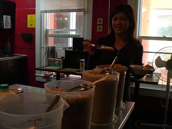 Day6- Lucky D's 提供的早餐非常的讚喔! 大力推薦這間青年旅館!