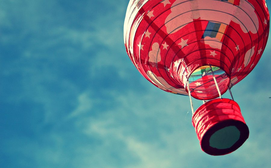 hot_air_balloon_by_thefearyouwontfall-d304xpm