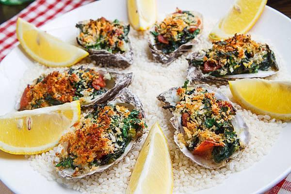 Oysters Rockefeller 800 3824.jpg