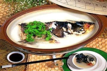 砂锅鱼头.jpg