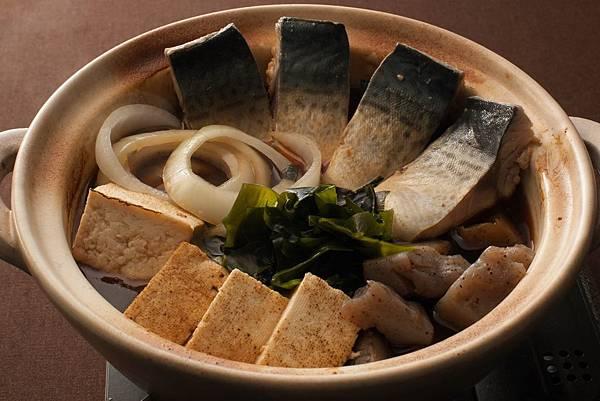 鯖の煮食い.jpg