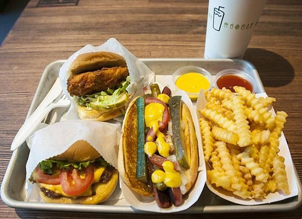 Shake Shack shackburger 1.jpg