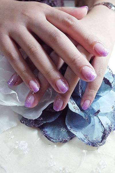 【光療指甲】20110715 馨儀-璀燦光療指甲.JPG