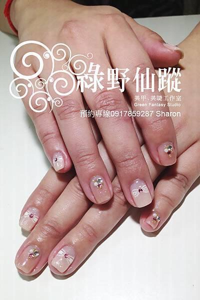 201203招桃花款的可愛光療指甲