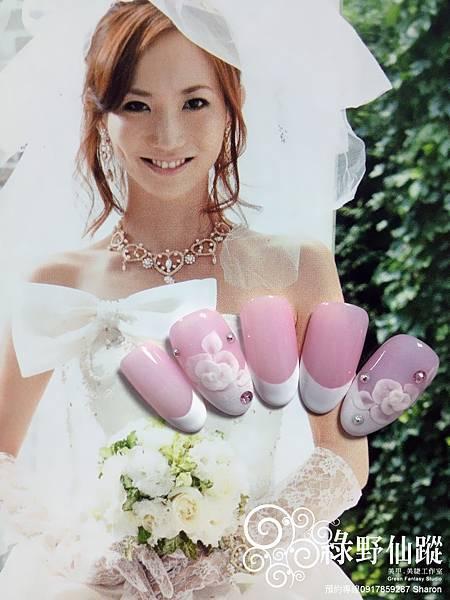 【光療指甲】獻給新嫁娘的法式光療美甲加兩指玫瑰夾心粉雕