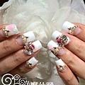 【光療指甲】超華麗新娘美甲滿滿排鑽加兩指玫瑰粉雕-2