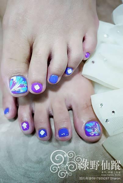 【足部光療指甲】大受歡迎的拉花款光療美甲