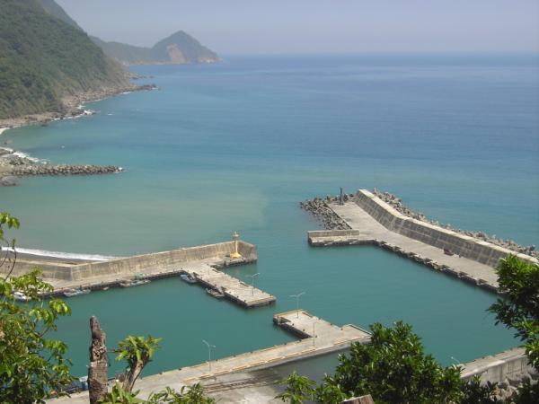 遠眺朝陽漁港