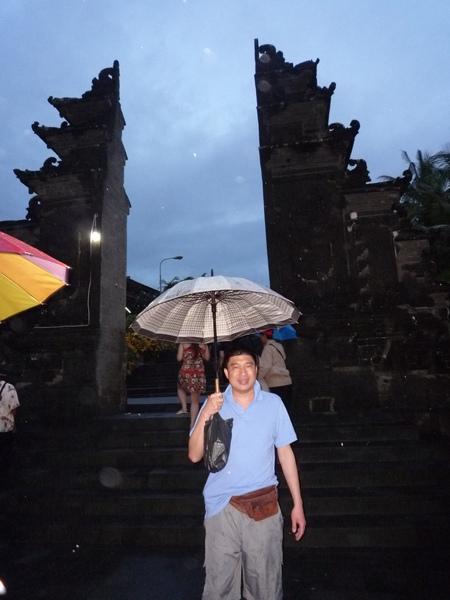雨中的海神廟
