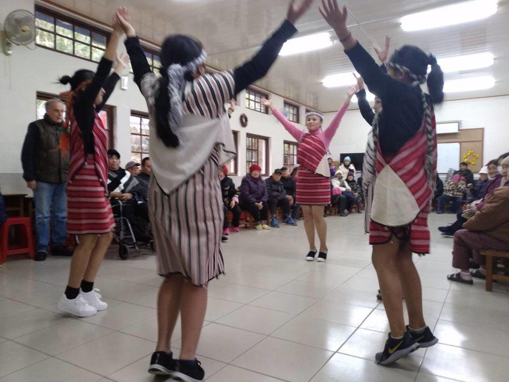1 dance.jpg