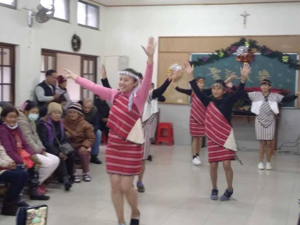 6 dance naluo.jpg