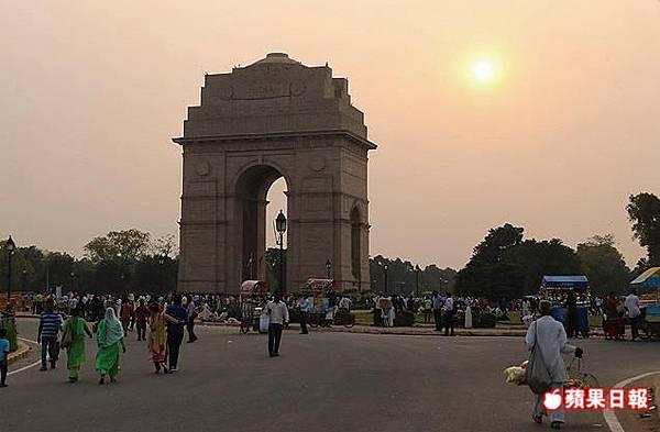 印度門和巴黎凱旋門極其相似,但意義截然不同,這門是為紀念殉職軍人。2016 蘋果日報/楊沛騏。世群旅行社