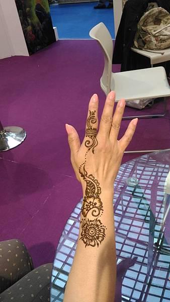 2016 台北國際旅展 (Taipei ITF 2016) 印度館展攤編號 D125,這是小編的完成圖,好像在食指上戴上一只華麗的戒指。 世群旅行社.jpg