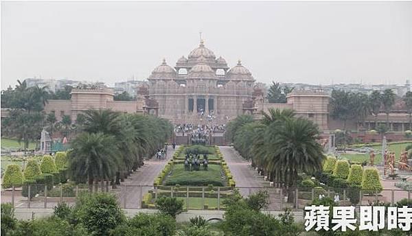 阿卡夏丹印度神廟(Swaminarayan Akshardham)是7萬名信徒、花了7年時間興建完成。2016 蘋果日報/愛玩姐。世群旅行社.bmp