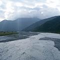 從玉長大橋看樂樂溪河谷