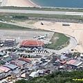 壁山觀景台看北竿機場,B-17011中午飛北竿