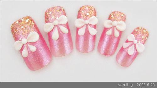 粉紅蝴蝶結