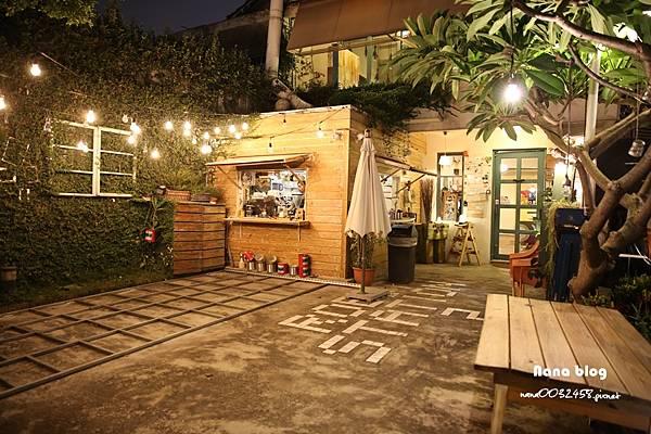 台中寵物友善餐廳-R星咖啡 (4).JPG