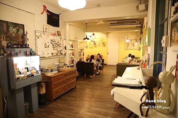 台中寵物友善餐廳-R星咖啡 (9).JPG