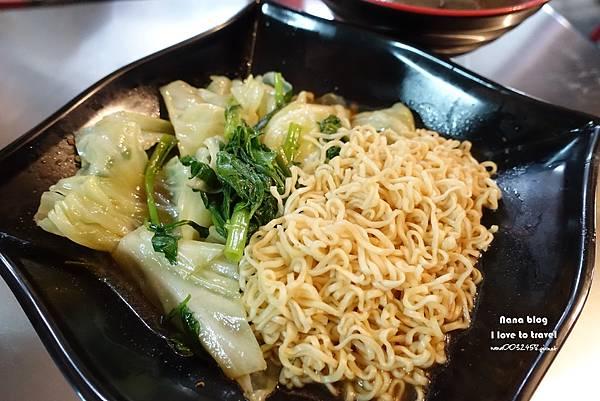 員林第一市場美食就醬滷味 (17).JPG