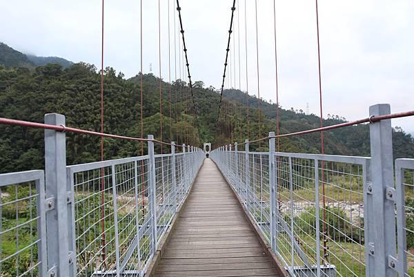 9南庄景點東河吊橋 (2).JPG