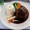 主餐-羊龍骨(並沒有特別好吃!)