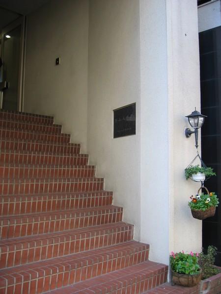教會的門口階梯