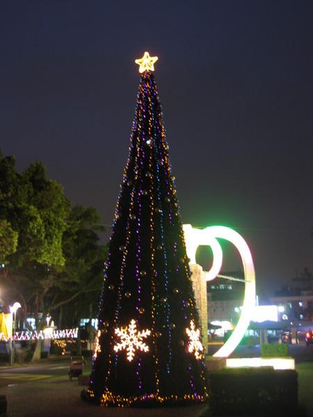 校門口的聖誕樹