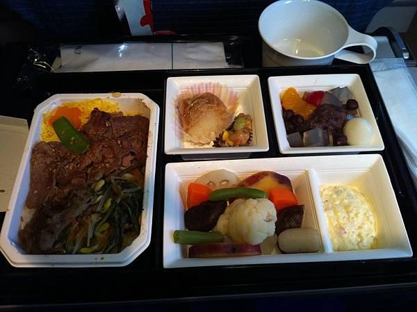 日本飛台灣的飛機餐