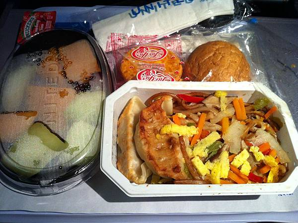 美國飛台灣的飛機餐